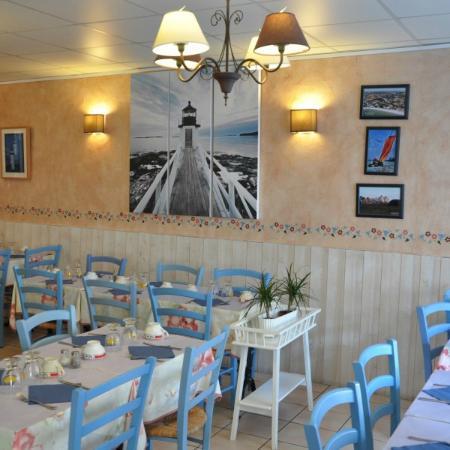 Restaurant Creperie La Ville Du Bois