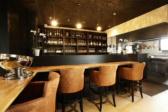 L'Arbre: Le bar