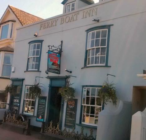 The Ferryboat Inn: Look left
