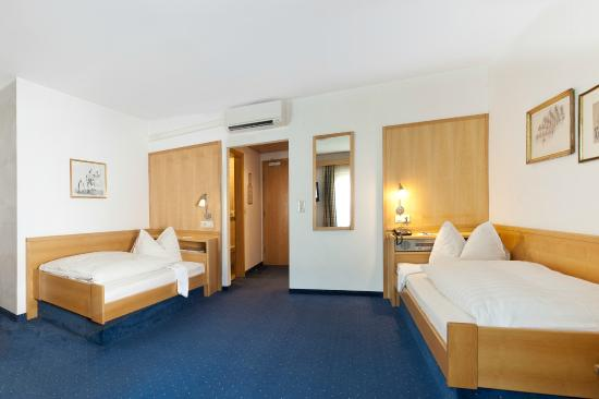 Photo of Hotel Gasthof Weisses Rossl at Kiebachgasse 8, Innsbruck 6020, Austria