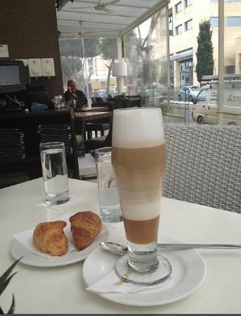 Incontro Cafe