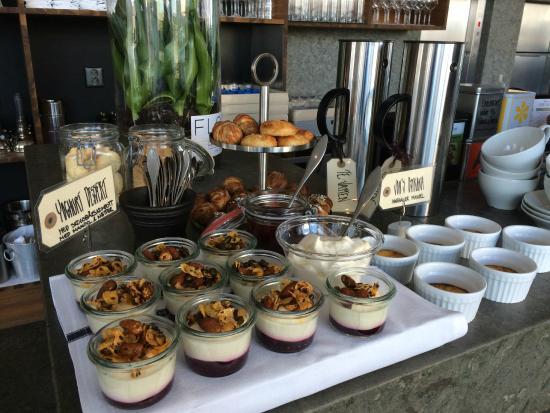 PM & Vanner Hotel: Utbudet av efterrätter till frukosten