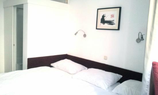 Pension am Jakobsplatz : Zimmer 3 3-Bett/ Room 3 3-bed