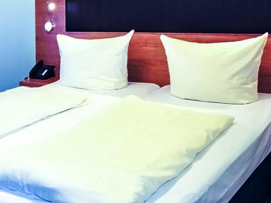 EXPO Hotel: номер