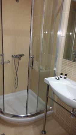Hotel Giannoulis: Το μπάνιο.