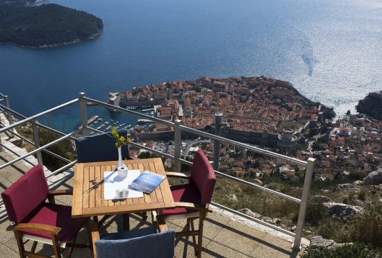 Panorama Restaurant: Restaurant terrace with stunning views of the Old City and the nearby islands