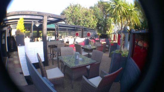 The Rising Sun Thai & Pan-Asian: Al fresco dining area