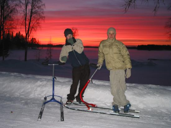 The Lakelands, Finlandia: Kick-sledges rides on lake Kutta