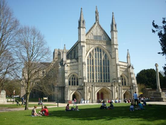 Stonehenge Tour Company : Winchester Cathedral