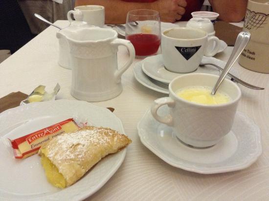 Hotel Alba sul Mare: завтрак