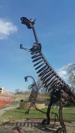 Swetsville Zoo: Dinasours!