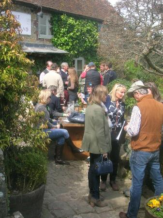 Duke of Cumberland: Throng outside pub entrance to garden
