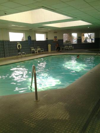 Restroom clean picture of shilo inn suites hotel klamath falls klamath falls tripadvisor for Klamath falls hotels with swimming pool