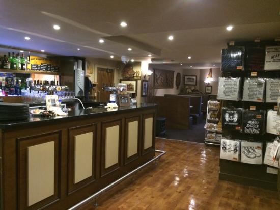 The Beech Tree Inn: The bar