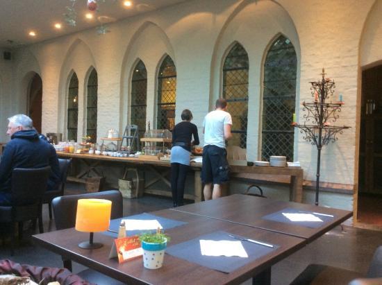 Hotel La Merveilleuse: Dining room at Breakfast time