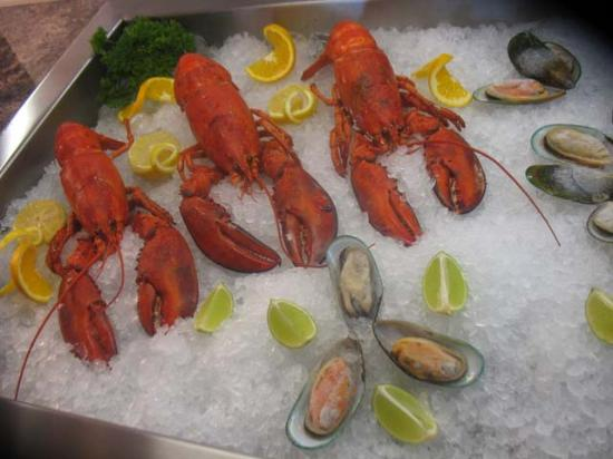 The Queen's Royal: Seafood buffet