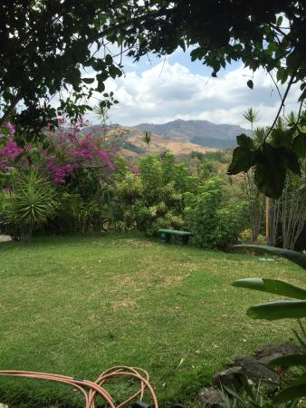 El Cafetal Inn: The views (Poas Volcano out there somewhere)