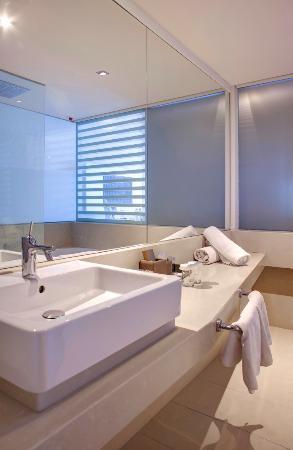 Rixos Hotel Libertas: Bathroom