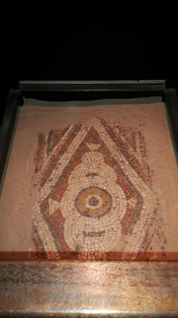 Dewa Roman Experience: mosaic
