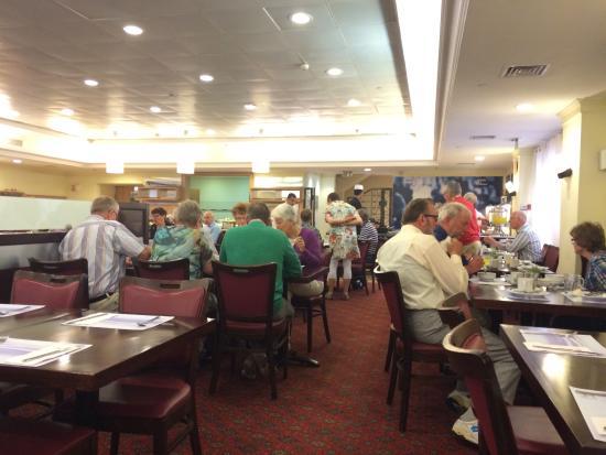 Caesar Premier Jerusalem: Breakfast at the restaurant
