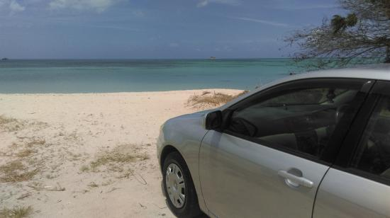 The Villas at Sunset Lane: Gorgeous beach and our hire car!