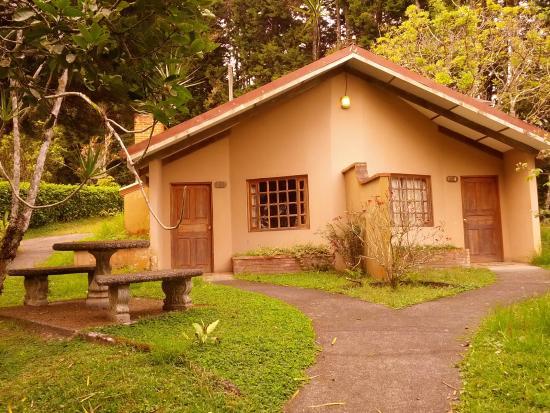villa zurqui hotel desde san josecito costa