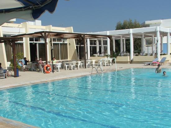 Afandou Beach Hotel: Piscine - Terrasses