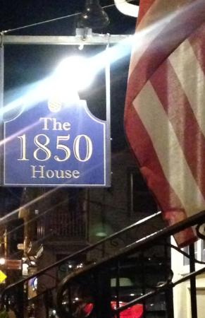 1850 House Inn & Tavern: sign