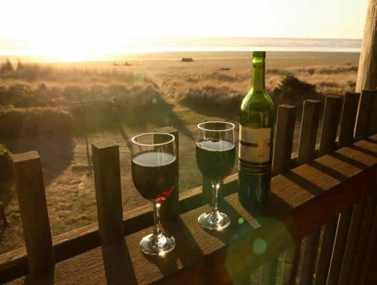 Sandpiper Beach Resort: Relax with a glass of wine while soaking in the beautiful view