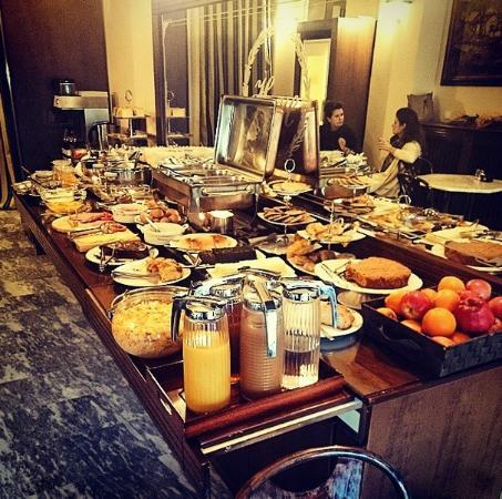 Helena Hotel: Απίστευτο Πρωινό