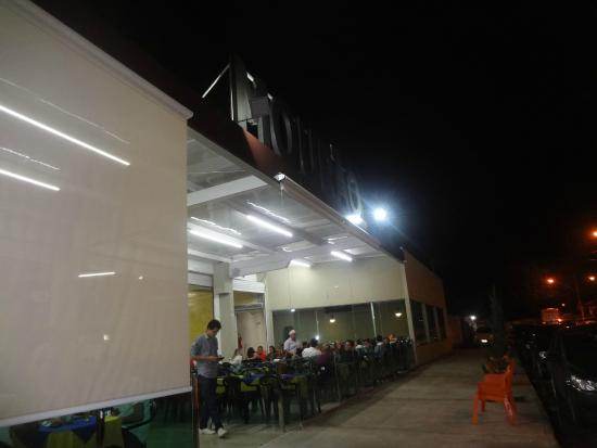 Mourao Chopp restaurante: Bar