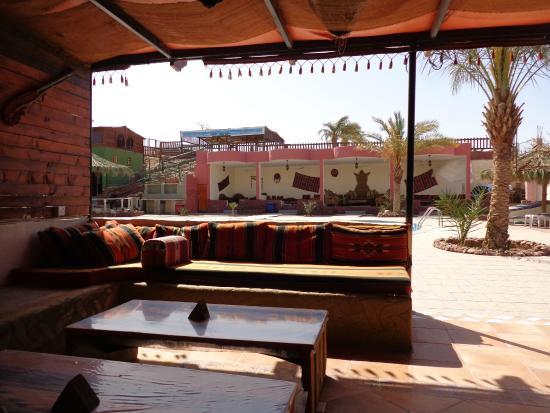 Bedouin Moon Village: Espace piscine