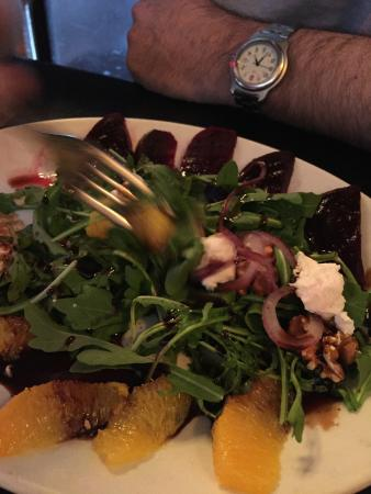 RedRocks Pizza Napoletana: Beet adn Goat Cheese Salad