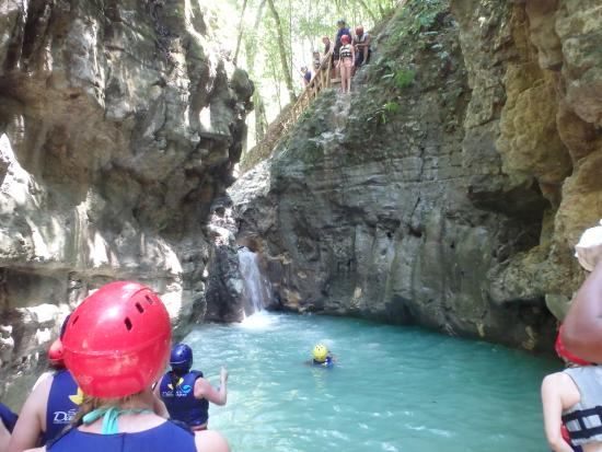 Puerto Plata, Dominik Cumhuriyeti: High jump.