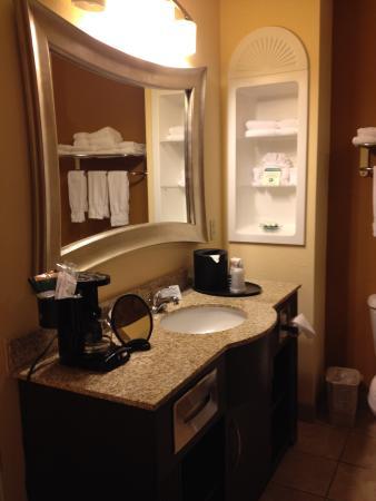 BEST WESTERN PLUS Manatee Hotel: Luxurious Bathroom