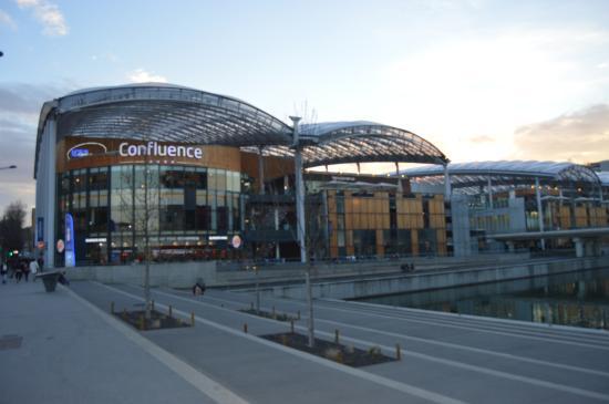 centre confluence lyon