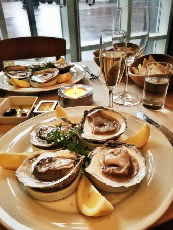 A Hereford Beefstouw: Danish oysters from Limfjords, delicious!