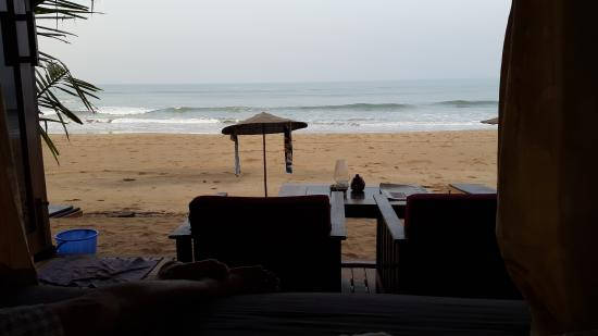Dunhill Beach Resort : View from my room (Cabana)
