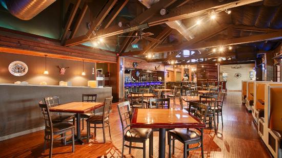 Best Western Plus Austin City Hotel: Bar & Restaurant