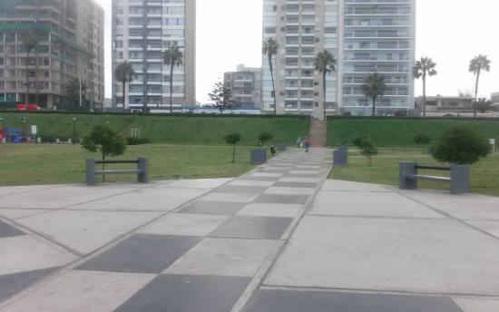 Hotel Soul Mate Inn: Esto es parte de lo que hay que caminar para llegar a la playa