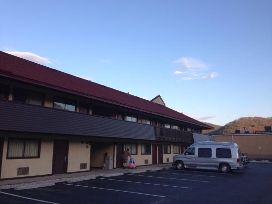 Red Roof Inn Charleston - Kanawha City: Outside