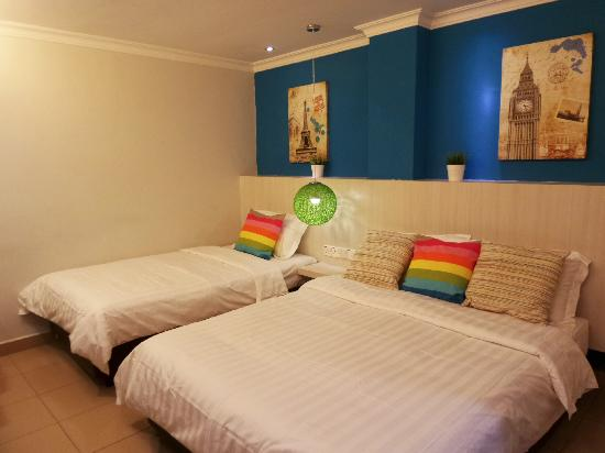 My City Hotel: Wow! What a surprise! They just renovated the room! NICE! :)
