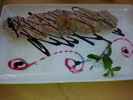 La Pastorella: Semifreddo al torroncino