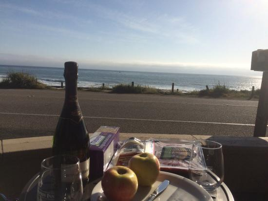Blue Dolphin Inn: Picnic for dinner