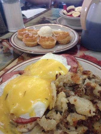 Pocahontas Pancake & Waffle  House: Eggs Benedict with a side of 1/2 waffle