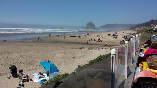 Mo S Restaurant Hay Stack Rocks Cannon Beach Oregon