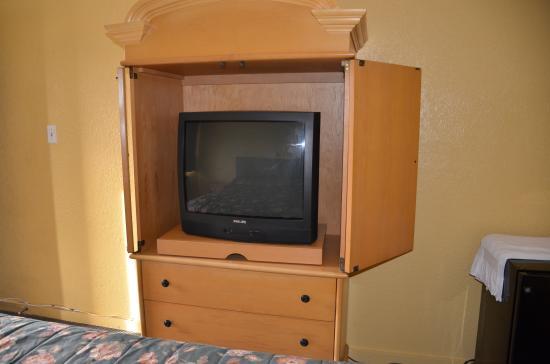 Sweet's Inn Motel: king bed room