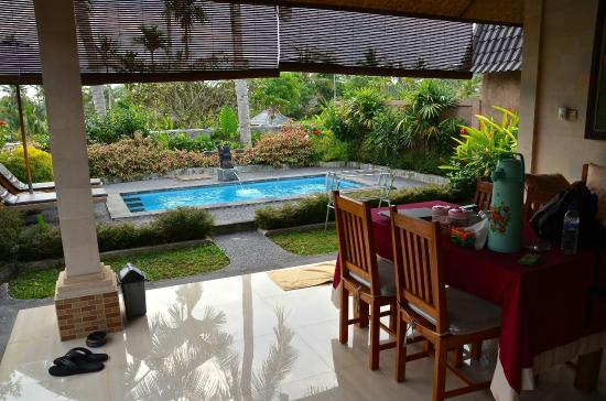 Bali Breeze Bungalows: Patio at Breeze House 3