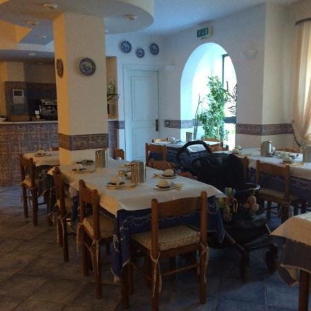 Hotel Punta Mesco: The Breakfast room