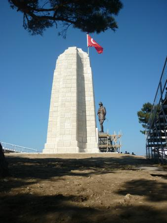 Turkish Memorial - Picture of Gallipoli National Park ...